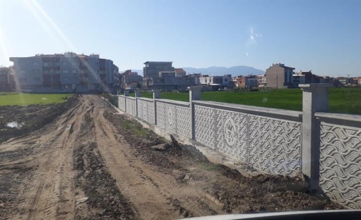 Turgutlu'da Merkez Mezarlığın Çevre Duvarı Yapıldı