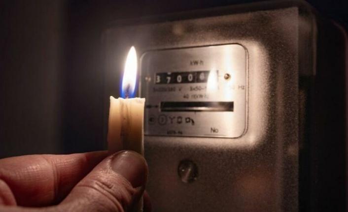 Türkiye genelinde peş peşe elektrik kesintileri! Bakanlık sebebini açıkladı