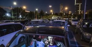 İstanbulda arabalı açık hava...
